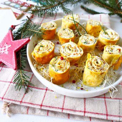 Apéritif de Noël : Rolls de crêpes à la faisselle de chèvre, graines germées et citron vert